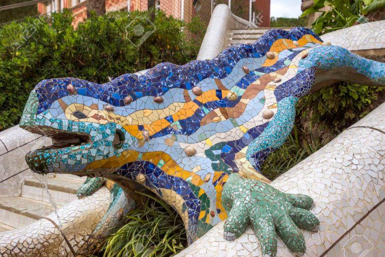 バルセロナのガウディ作グエル公園のドラゴン